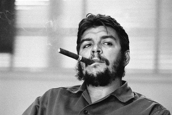 René Burri: Ernesto Che Guevara, Havanna, Kuba, 1963Signierter Silber-Gelatine-Print, 40 x 50 cm© René Burri/Magnum Photos