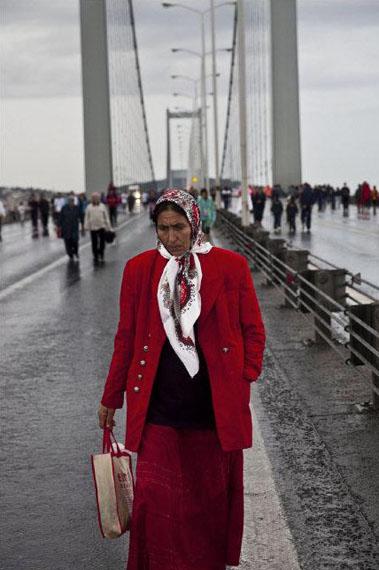 Bruno BarbeyBosphoros Bridge, Istanbul, Turkey, 2009© Bruno Barbey / Magnum Photos