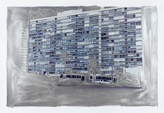 Peter Klare: Edificio Panamericano, 2016, 125 x 181,5 cm, silver pigmented gouache on hand printed photograph