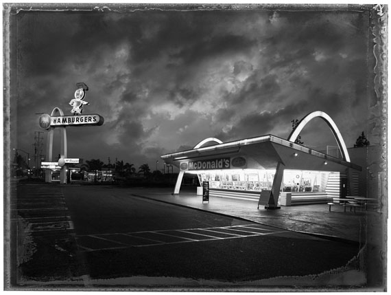 Christopher Thomas: Los Angeles, McDonald's I, Downey, 2017© Christopher Thomas