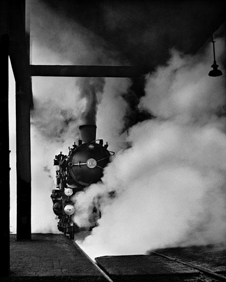 © René Groebli, o. T. aus 'Magie der Schiene', #559, 1949 / Courtesy Johanna Breeed PHOTOKUNST