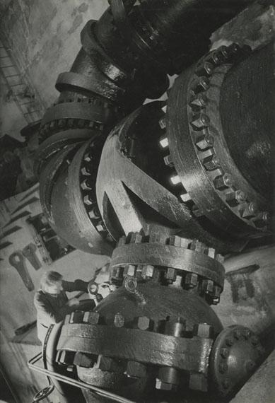 Pressure Pipe, Vernayaz, 1938 © Jakob Tuggener-Stiftung