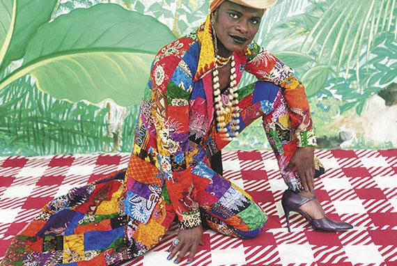 Samuel Fosso: La femme américaine libérée des années 70, 1997Courtesy The Walther Collection and Jean-Marc Patras, Paris© Samuel Fosso