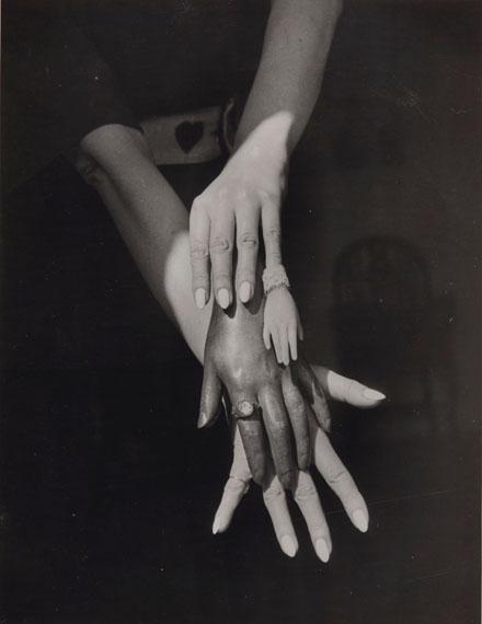 Lot 35CLAUDE CAHUN (1894–1954)Untitled, 1939Gelatin silver printImage: 7½ x 9¾ in.Sheet: 7¾ x 10 in.Estimate: €40,000–60,000