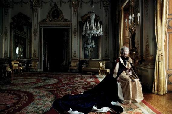 Queen Elizabeth II, Buckingham Palace, London, 2007Archival pigment print16 x 20 in.Edition of 25© Annie Leibovitz