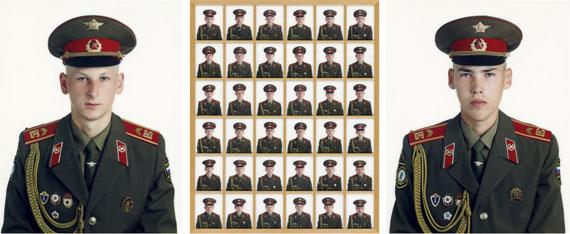 """Los 2144© Frank Thiel""""Die Alliierten"""". 199412-teilige Installation bestehend aus 4 Triptychen, C-Prints, Diasec, 2000/2001. Große Photos jeweils 217,5 × 174 cm, kleine Photos jeweils 34,8 × 27,8 cm. Je auf Rahmenrückwand und unterer Rahmenleiste mit schwarzem Filzstift signiert, datiert (Aufnahme sowie Abzug), betitelt, bezeichnet und nummeriert sowie Maßangaben. Je eines von 6 nummerierten Exemplaren. [2045] Je gerahmt.Provenienz: Sammlung Wolfgang JoopSchätzpreis EUR 80.000–120.000 / USD 94,200–141,000"""