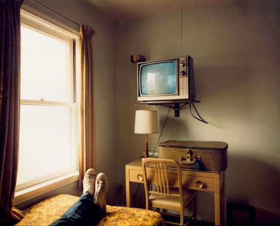 Stephen Shore, Room 125, West Bank Motel, Idaho Falls, Idaho, July 18, 1973© Stephen Shore, Courtesy Edwynn Houk Gallery