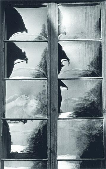 """Toni Schneiders: """"Spiegelnden Scheiben"""", Vintage, 1952, 40 x 25,4 cmCourtesy Grisebach GmbH"""