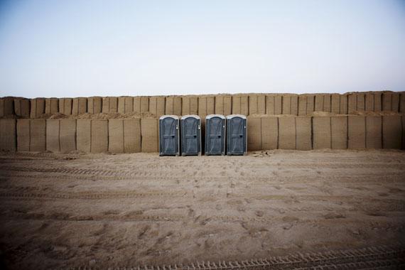 "© Christoph Bangert (aus ""hello camel"")"