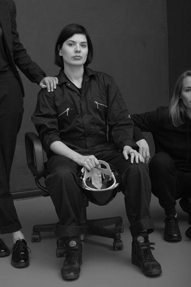 Andrzej SteinbachOhne Titel, aus Gesellschaft beginnt mit drei 201760 x 40 cm / 90 x 60 cmFine Art PrintCourtesy Andrzej Steinbach, Galerie Conradi, Hamburg, Brüssel© Andrzej Steinbach, 2018