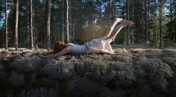 Maia Flore, L'envol, 2017, Tirage pigmentaire, 80 x 120 cm, édition de 5© Maia Flore, courtesy Galerie Esther Woerdehoff