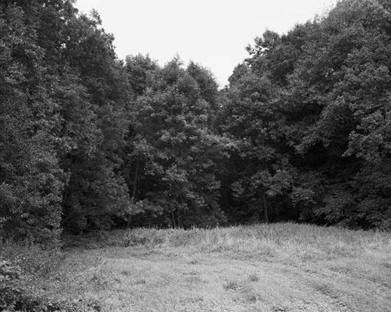 """Anne Heinlein und Göran Gnaudschun: Groß Grabenstedt, 2008, Landkreis Salzwedel/Sachsen-Anhalterstmals urkundlich erwähnt: 1291, gewüstet: 1986, aus der Serie """"Wüstungen"""", 2008-2016© Anne Heinlein"""