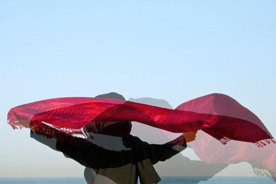 W_oman_scarf, 40 x 60 cm, Chromira pearl auf Aludibond © Corinna Rosteck
