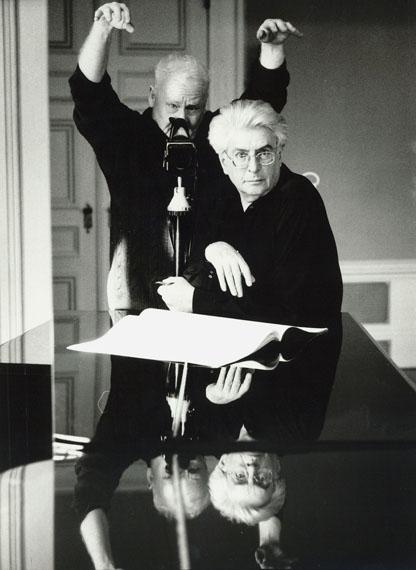 © stefan moses 'Selbst mit Frank Michael Beyer', aus der Serie SELBST IM SPIEGEL, München 1988, Courtesy Johanna Breede PHOTOKUNST