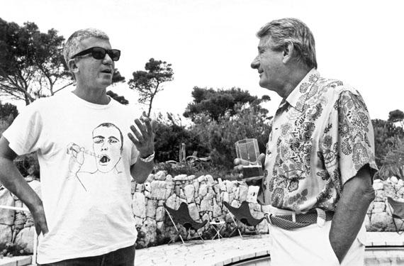 Jean PigozziLarry Gagosian and Helmut Newton, 1991 Villa Dorane, Antibes© Jean Pigozzicourtesy IMMAGIS Galerie