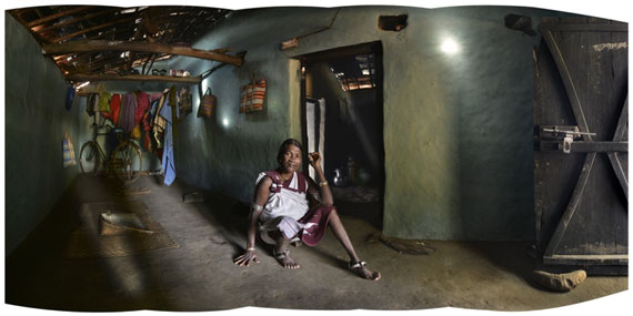 Amit PasrichaAt Home in ChattisgarhArchival Druck auf Hahnemühle, 57 x 26 cm© Amit Pasricha / UTMT