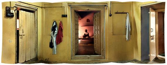 Amit PasrichaAt Home in NABHA, Punjab, IndiaArchival Druck auf Hahnemühle, 57 x 22 cm© Amit Pasricha / UTMT