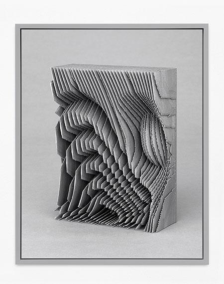 Michael Reisch: Ohne Titel (Untitled), 17/019, 201885 x 67,5 cm, Archival Pigment Print Schoeller True Baryta, Frame