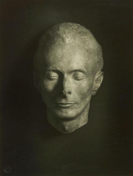 August Sander, Totenmaske von Erich Sander, 1944© Die Photographische Sammlung / SK Stiftung Kultur-August Sander Archiv, KölnVG Bild-Kunst, Bonn, 2018
