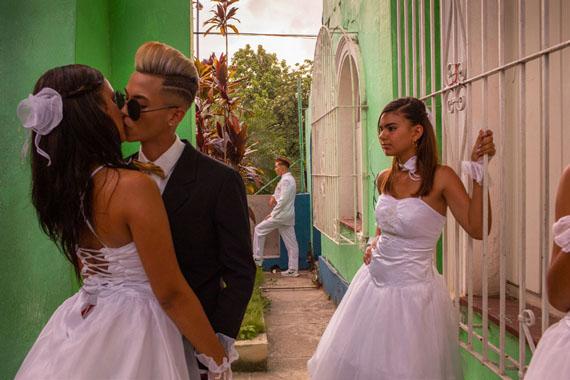 Diana Markosian / Magnum Photos - 'Over the Rainbow' Havana, Cuba. 2018 © Diana Markosian, Courtesy of the Elliott Erwitt Havana Club 7 Fellowship
