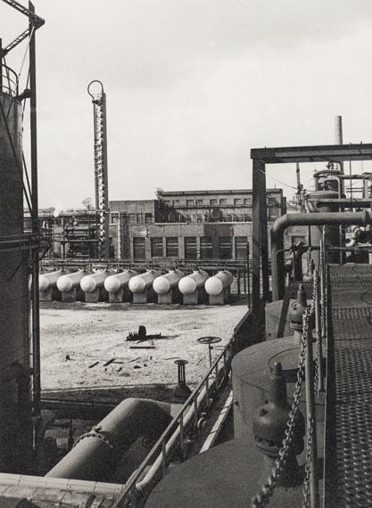 Albert Renger-Patzsch: Benzinstabilisation, Ruhrchemie AG, um 1938© LVR-Industriemuseum