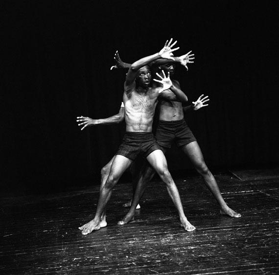 Maria Austria: Ama Virikiti von Robert Serumaga, Theatre Unlimited, Kampala/Uganda, Mickery Theater Amsterdam 1974© Maria Austria / Maria Austria Instituut