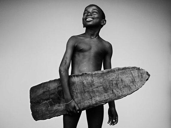 Gilmar Corriera, Porto Alegre, São Tomé and Príncipe, young surfer/student, 2016-2018© Stephan Vanfleteren, Courtesy Kahmann Gallery, Amsterdam