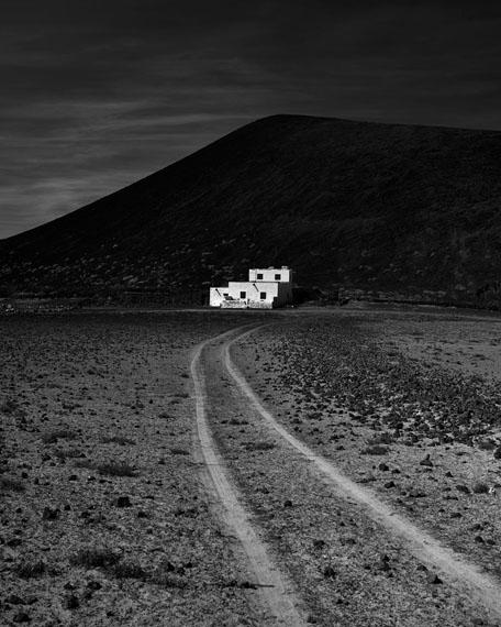 Isla Negra: Caldera Bermeja, 2014Silbergelatine Handabzüge, 84 x 118 cm, Auflage 4© Christian von Alvensleben