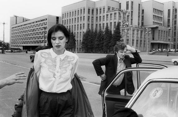© Ute Mahler: Chauffeur, Minsk, 1981, Vintage PrintGalerie Springer Berlin