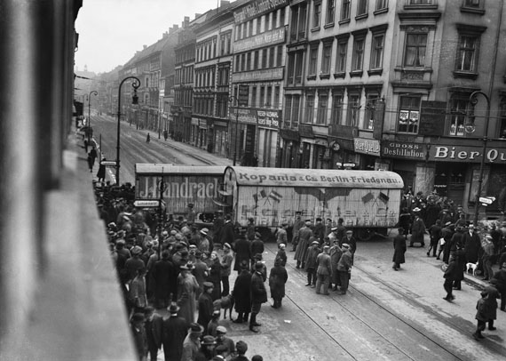 General strike in Berlin. Moving vans as barricade on Prenzlauer Straße, 3/7/1919