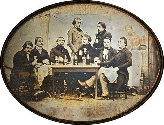 1Charles-Marie-Isidore CHOISELAT (1824-1904) et Stanislas RATEL (1815-1858)Autoportrait des photographes, 1843-1845Daguerréotype ½ plaque10 x 13 cm oval (plaque 15,5 x 19 cm), dans un cadre6 000 / 8 000 €