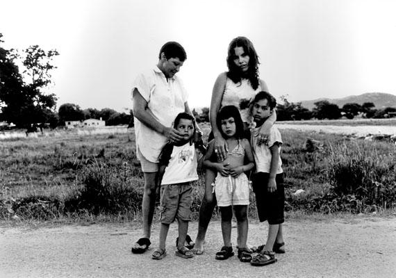 "Alfredo SrurUntitled, from the series ""Familias""23.6 x 30.2Gelatin silver print"