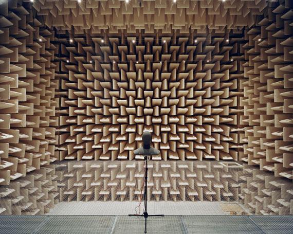 Stefanie Bürkle: Reflexionsarmer Raum, Technische Akustik / Anechoic Room, Engineering Acoustics, Technische Universität Berlin© Stefanie Bürkle / VG Bild-Kunst Bonn, 2019