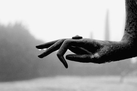 © Karin Székessy: 'Die Hand der Dame', 2004Courtesy Johanna Breede PHOTOKUNST