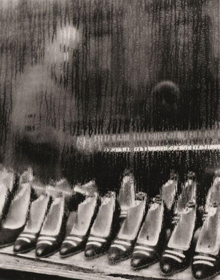 Sabine Weiss: Paris, shoes, 1955 © Sabine Weiss