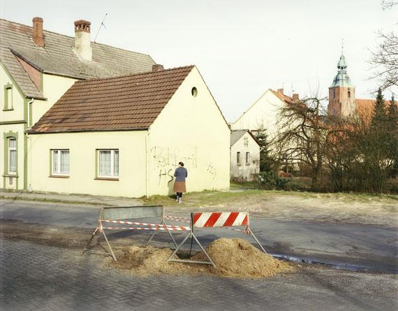 Laurenz Berges, aus: Cloppenburg, 1989-90© Laurenz Berges VG Bild-Kunst, Bonn 2019 Die Arbeit ist als Sonderedition erhältlich. Aufl. 15 + 3 A.P., 850€ bis 23.6.2019, danach 950€