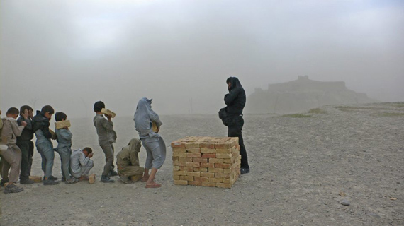 Lida Abdul, Brick sellers of Kabul, 2006, stampa lambda, 128 x 82 cmCourtesy: Giorgio Persano