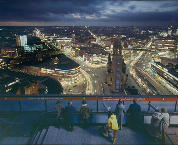 "Ludwig Windstosser: View westward from the ""i-Punkt"" telescope row atop the Europa-Center, c. 1971, Color print