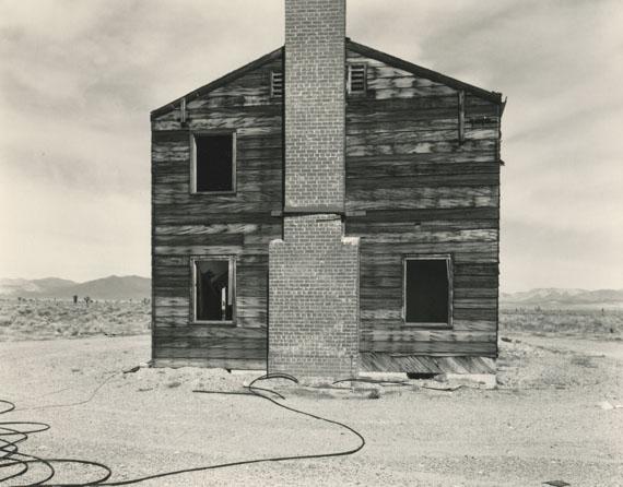 """Mark Ruwedel: """"Typical American House"""", Nevada Test Site, Yucca Flat, Apple II Test Site, 1995 © Mark Ruwedel"""