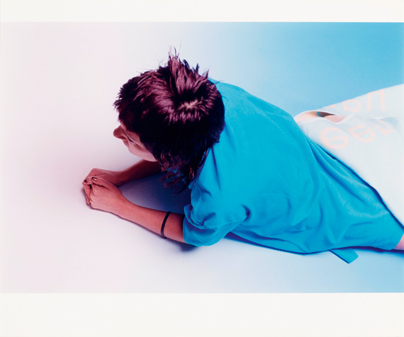 """Lot 1724WOLFGANG TILLMANS (*1968)""""Prinzessin"""", 1999.Chromogenic colour print on Fujicolor Professional Paper. Vintage.Image dimension 40.5 x 60.5 cm; sheet dimension 50.6 x 60.5 cm.Fully signed, titled and numbered 1/3 on verso.CHF 6 000 / 9 000"""