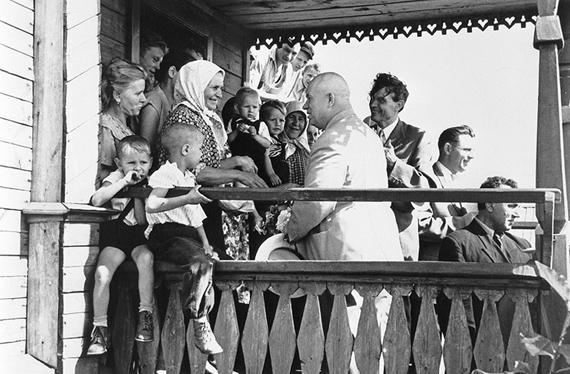 Alexander UstinovCollective farm Lenin's Way, Kuybyshevskaya (now – Samara) Oblast. The First Secretary of the Communist Party of the Soviet Union (the CPSU) Nikita Khrushchev, the Secretary of the CPSU Mikhail Suslov, and the Chairman of the Council of Ministers of the Soviet Union Dmitry Polyansky.11 August 1958