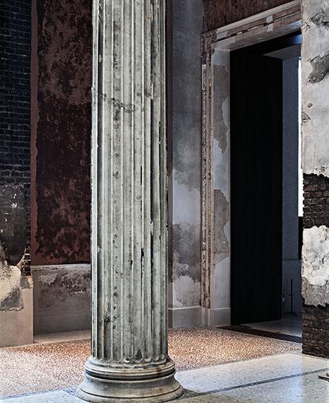 Thomas FlorschuetzEnclosure (Neues Museum) 25, 2009/2010C-Print, Diasec183 x 150 cm© VG Bild-Kunst, Bonn 2019