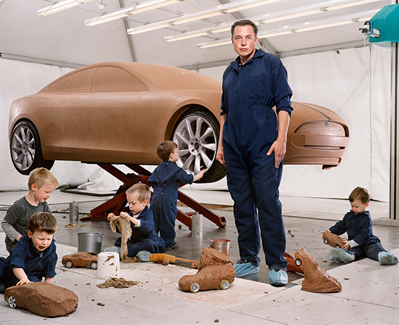Elon Musk with his Sons, Hawthorne, California, Portrait 2009 © Martin Schoeller