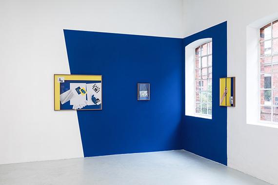 """Samuel Henne""""hand to hand"""", Fine Art Prints, WandfarbeInstallationsansicht »Samuel Henne - shifts & tilts«, Halle für Kunst Lüneburg, 2019© Fred Dott / Halle für Kunst Lüneburg"""
