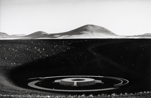 Barbara Klemm: Roden Crater, Arizona, USA, James Turrell, 2004. Gelatin silver print, signed, 30 x 40 cm
