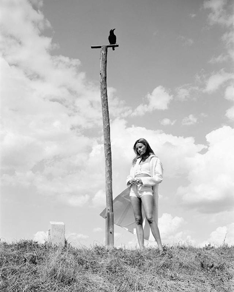 Ute Mahler & Werner Mahler, On the country, at the river, Leni (crow), 2020