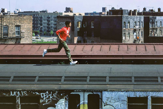 Martha Cooper: Skeme running on top of subway, Bronx, NYC 1982, © Martha Cooperfrom the exhibition: