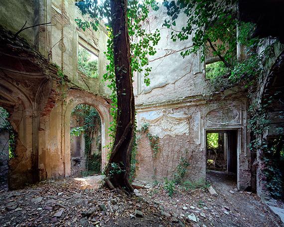 La villa incantata 2018120 x 150 cm, ed 4.96 x 120 cm, ed 5© Thomas Jorion