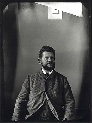 Heinrich ZilleSelbstporträt, 1892Aufgenommen im Atelier der Photographischen Gesellschaft am Dönhoffplatz, Berlin