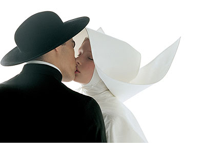 Oliviero Toscani, Kissing-nun, 1992© Copyright 1991 Benetton Group S.p.A. - Photo: Oliviero Toscani